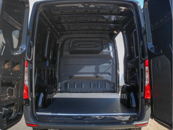 Mercedes Sprinter leasen 10