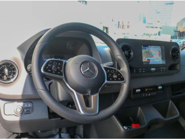 Mercedes Sprinter leasen 11