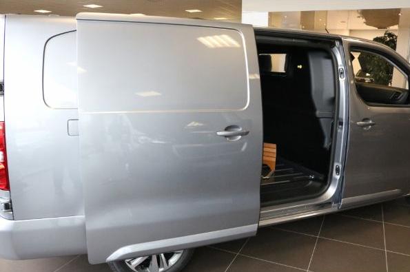 Peugeot Expert leasen 4