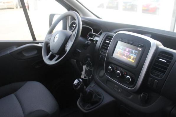 Renault Trafic leasen 7